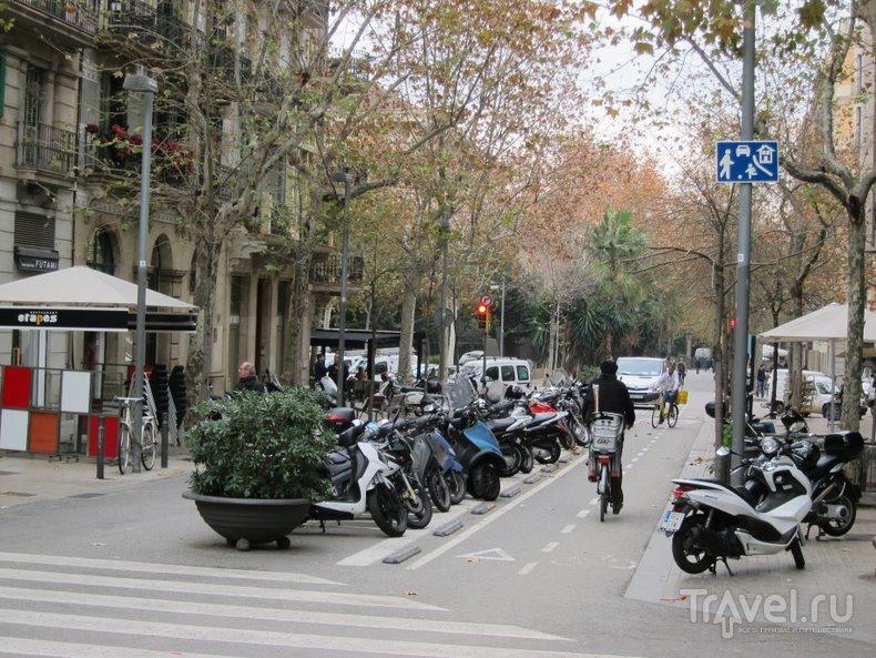 Барселона. Проходной пост о проезжей части / Испания