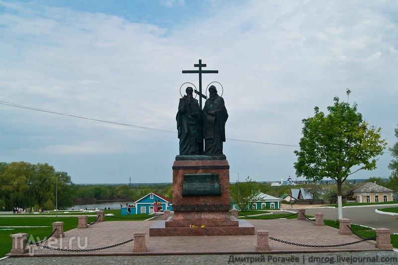 Памятник Кириллу и Мефодию в Коломне / Фото из России