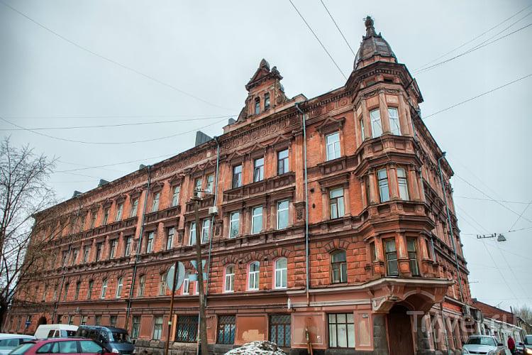 Бывший доходный дом с магазином Э.Буттенгоффа в Выборге / Фото из России