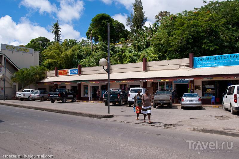 Лими Хайвей в районе Намбату в Порт-Вила, Вануату / Фото из Вануату