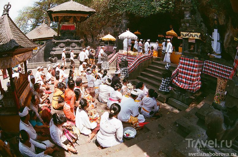 В храме Гоа-Лава, Бали / Фото из Индонезии