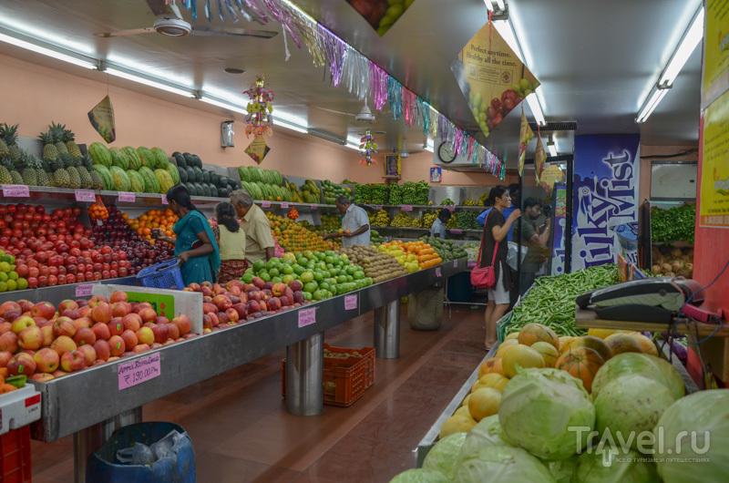 Магазин с фруктами и овощами / Фото из Индии