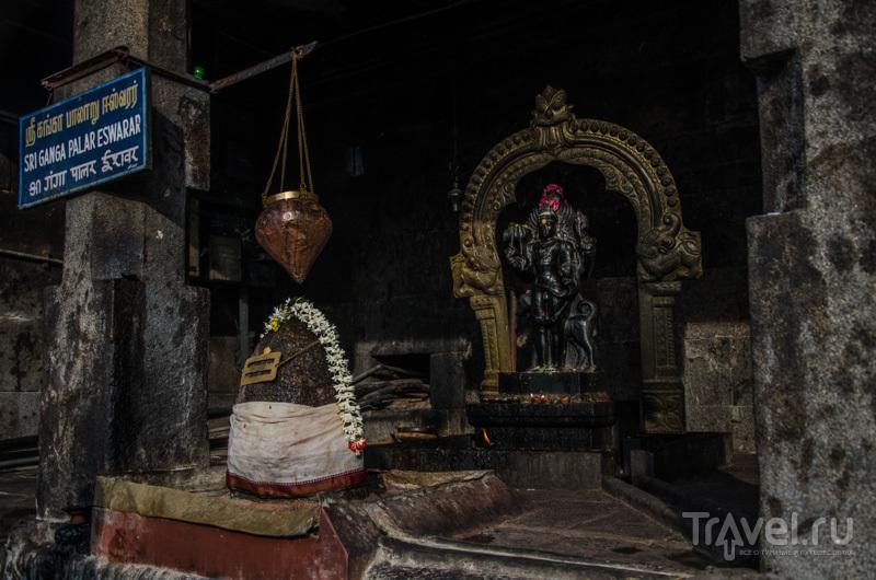Шива-лингам / Фото из Индии