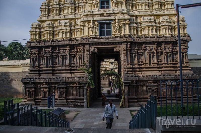Sri Jalagandeeswarar Temple / Фото из Индии