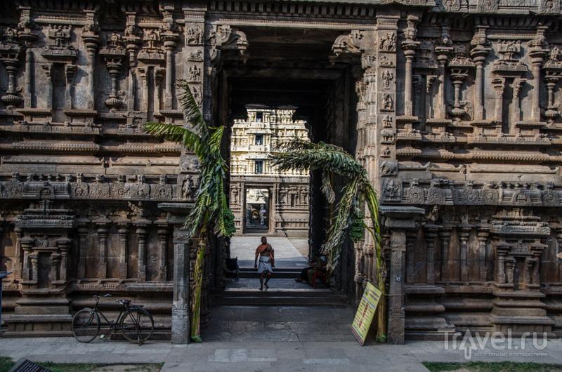 Вход в Sri Jalagandeeswarar Temple / Фото из Индии