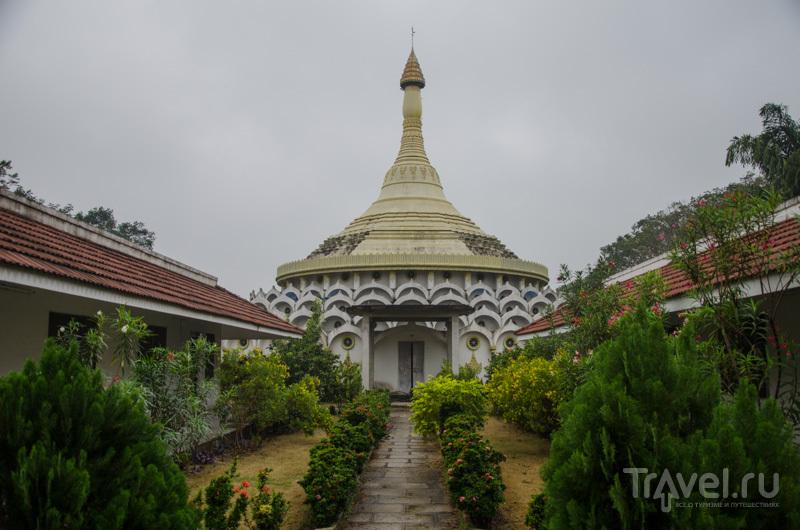Пагода для медитаций / Фото из Индии