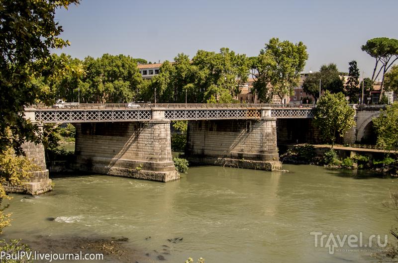 Мост Ponte Palatino в Риме, Италия / Фото из Италии