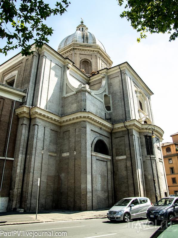 Базилика di San Giovanni Battista dei Fiorentini в Риме, Италия / Фото из Италии
