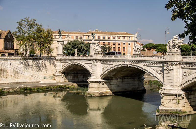 Мост Ponte Vittorio Emanuelle II в Риме, Италия / Фото из Италии