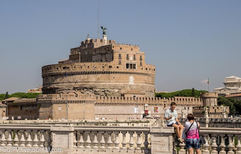 Замок Святого Ангела (Castel Sant' Angelo) в Риме, Италия / Фото из Италии