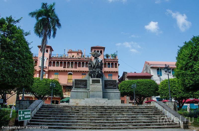 Площадь Симона Боливара / Фото из Панамы