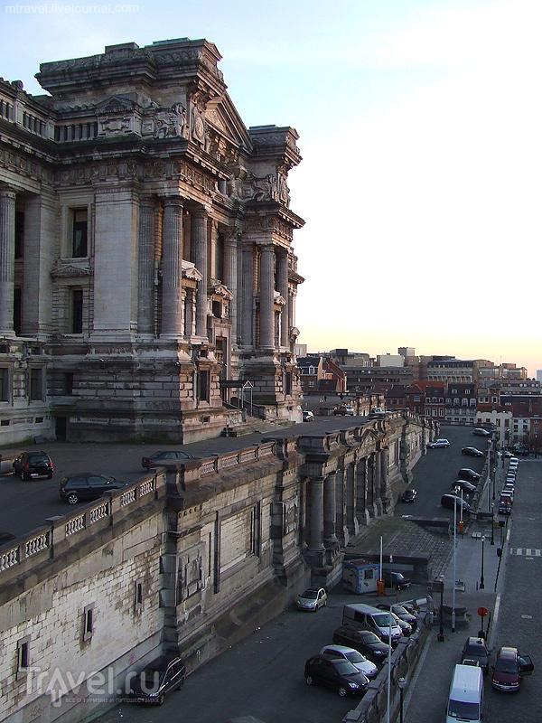 Дворец юстиции в Брюсселе / Фото из Бельгии
