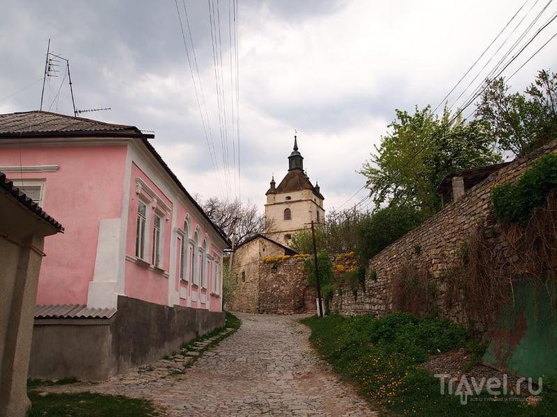 Армянская улица и колокольня Армянского собора, Каменец-Подольский / Фото с Украины