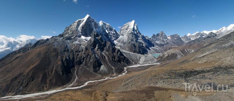 Вершины Табоче и Чолатзе / Фото из Непала