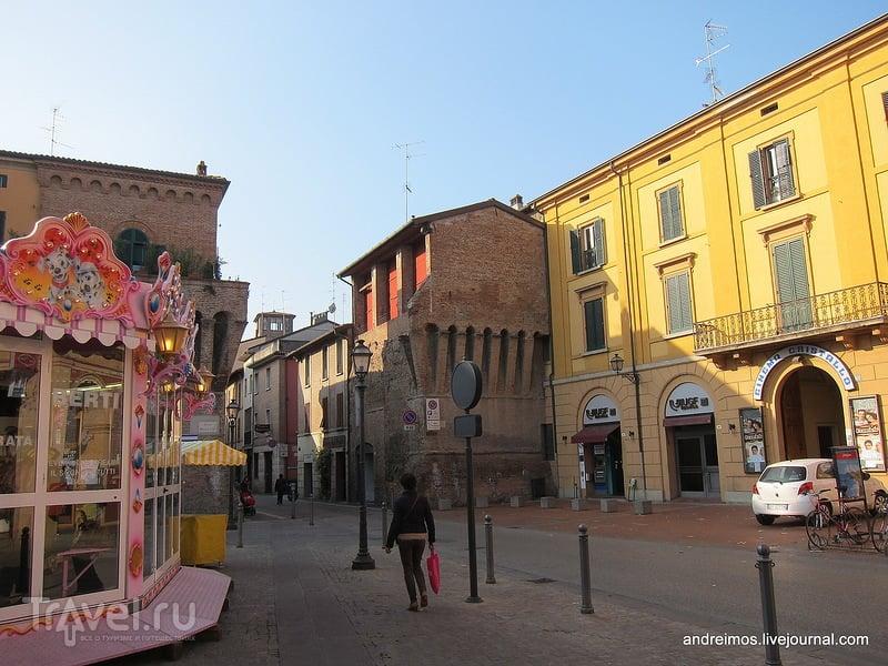 Площадь Медалье д Оро (Piazza Medaglie d Oro) / Фото из Италии