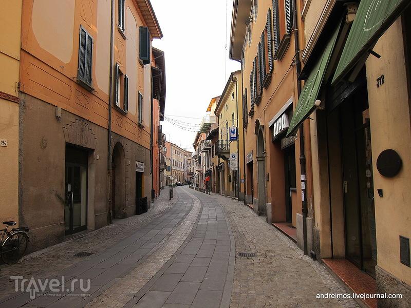 Улица Эмилия Эст (Via Emilia Est) / Фото из Италии