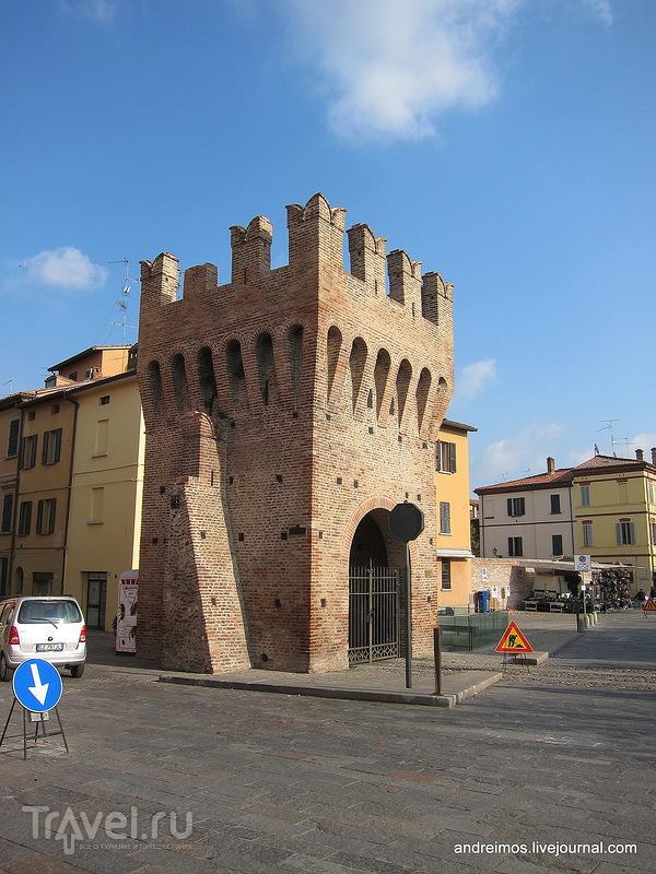 Имола - город и автодром / Фото из Италии