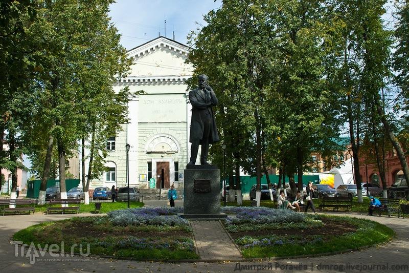 Сквер с памятником Чайковскому в Клину / Фото из России