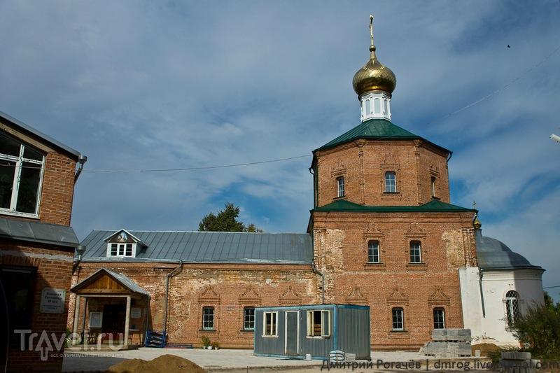 Церковь воскресения и колокольня в Клину / Фото из России