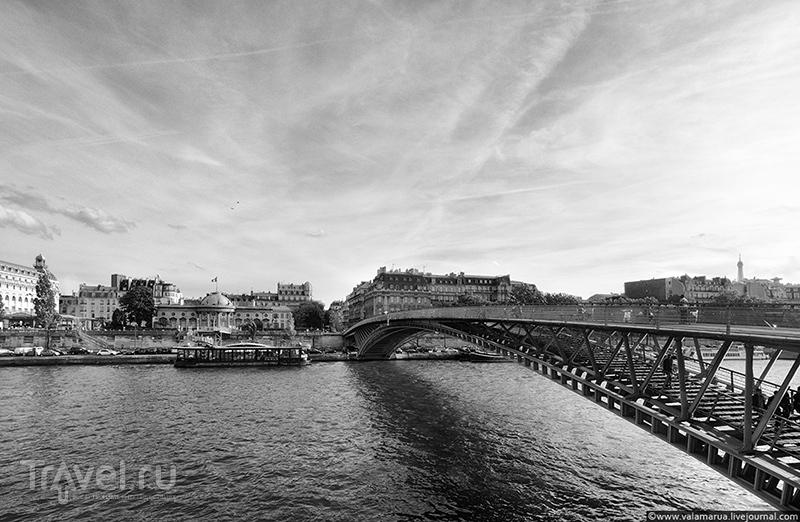 Мост Леопольда Седара Сенгора, Париж / Фото из Франции