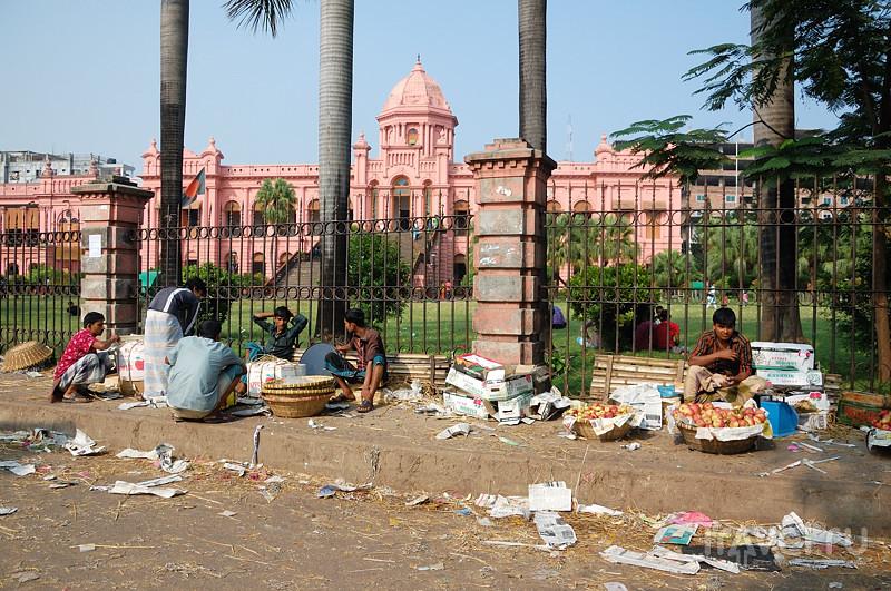 Аццкий трэш на улицах Дакки / Бангладеш
