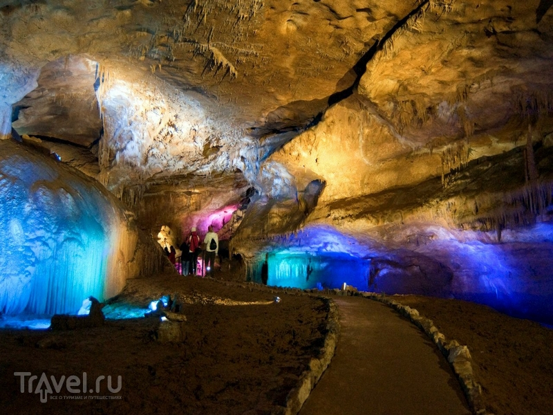 Туристический маршрут в пещере Прометея был обустроен в 2010 году, Грузия / Грузия
