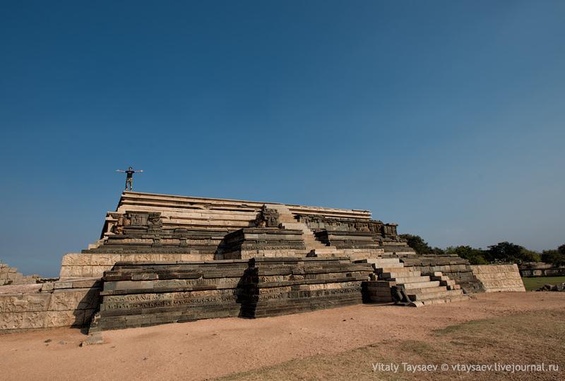 Бывшая столица Виджаянагарской империи - Виджаянагар, Индия / Фото из Индии
