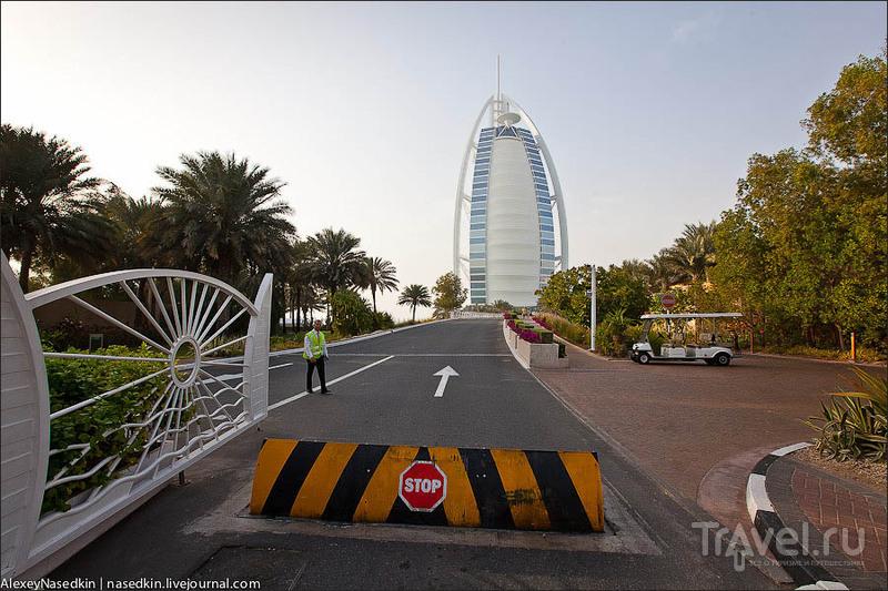 Отель Бурдж аль-Араб в Дубае / Фото из ОАЭ