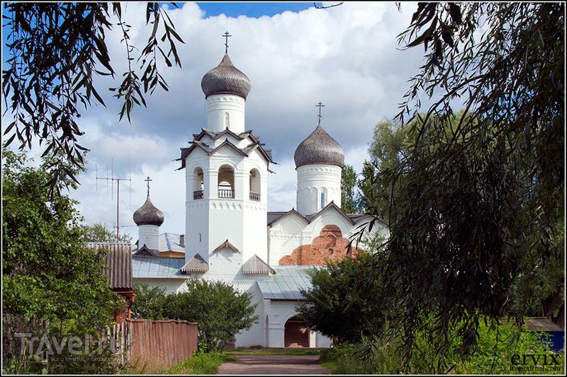 Ансамбль Спасо-Преображенского монастыря в Старой Руссе / Фото из России