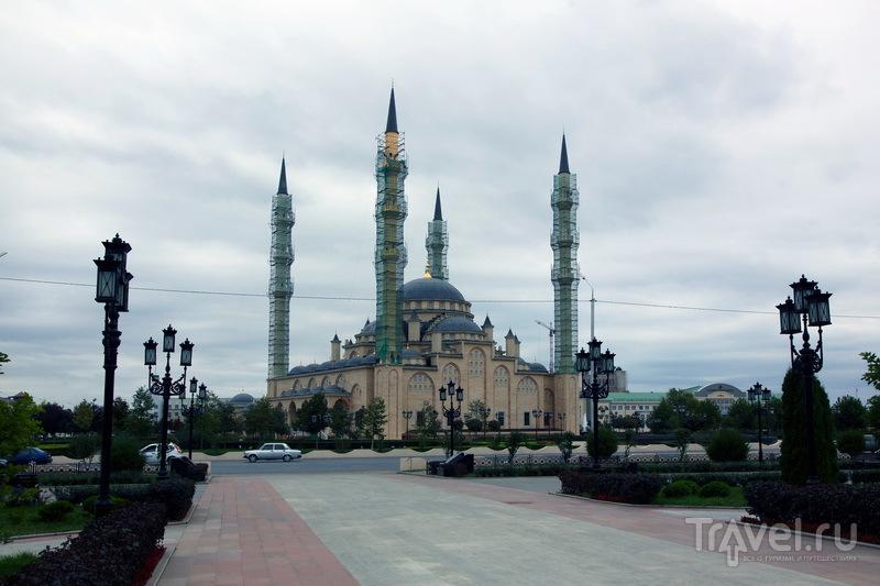 Мечеть Сердце Чечни - крупнейшая в стране / Фото из России
