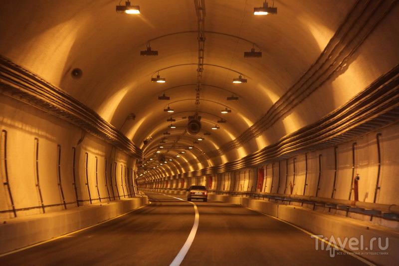 Гимринский тоннель - самый длинный автодорожный тоннель в России и СНГ (почти 4,5 км) / Фото из России