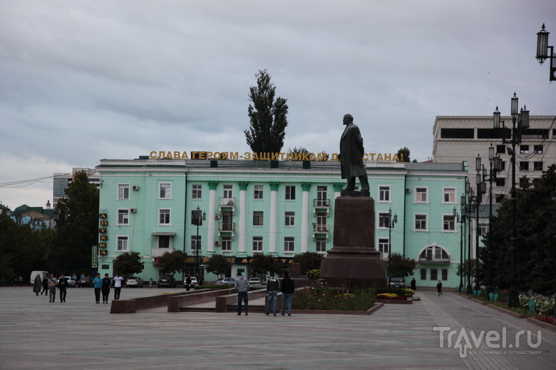 Махачкала, пл. им. Ленина. 7 октября, в честь 60-летия президента России, здесь состоялся флэш-моб площадь имени Путина / Фото из России