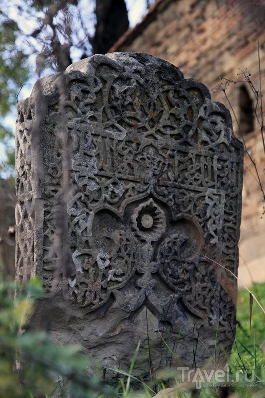 Некоторым надгробиям в Калакурейше более 1000 лет / Фото из России