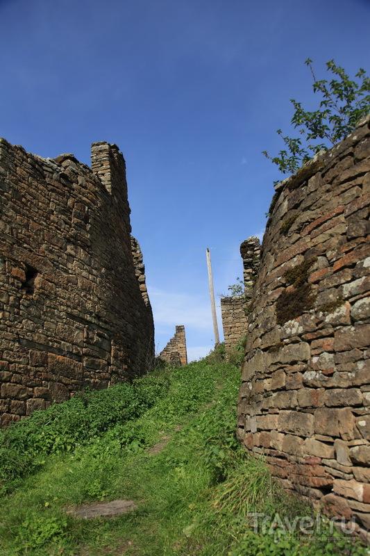 Почти все здания в древнем городе разрушены временем / Фото из России