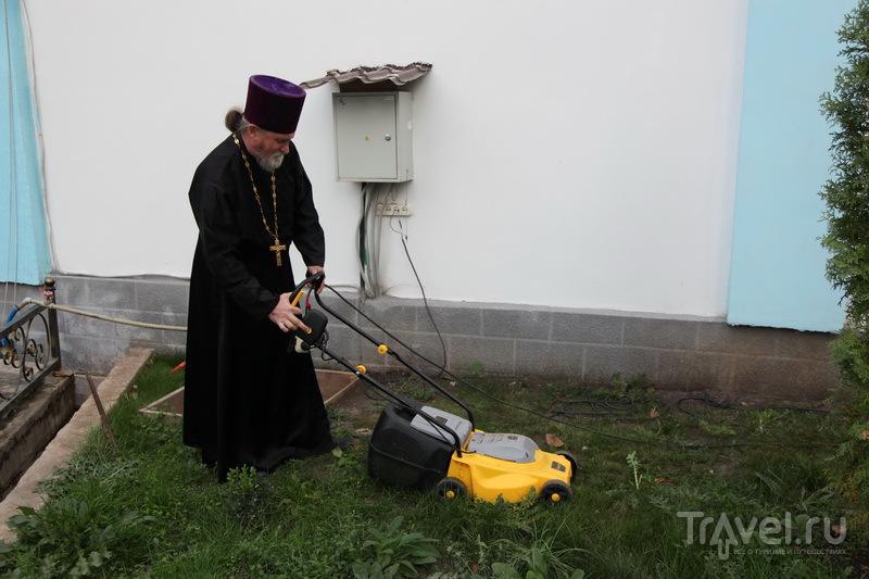 У батюшки много забот / Фото из России