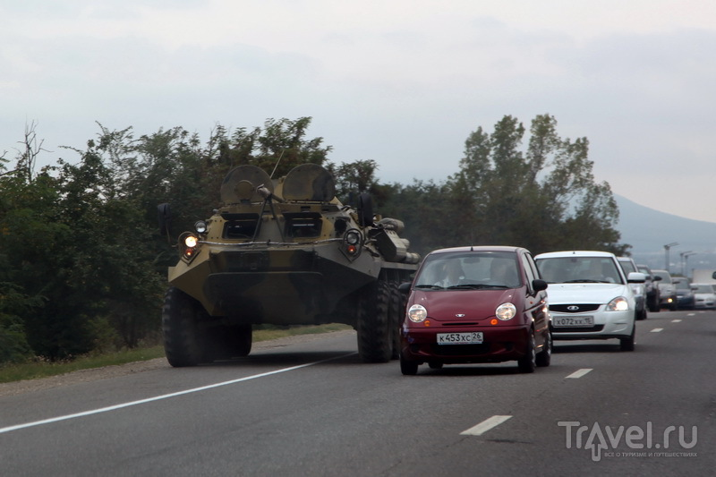 На подъезде к Нальчику уже чувствуется кавказская специфика / Фото из России