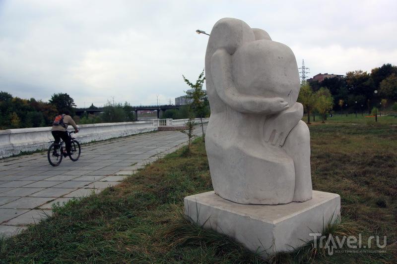 В центре Владикавказа много странных скульптур / Фото из России