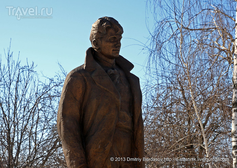 Памятник Сергею Есенину, Константиново / Фото из России