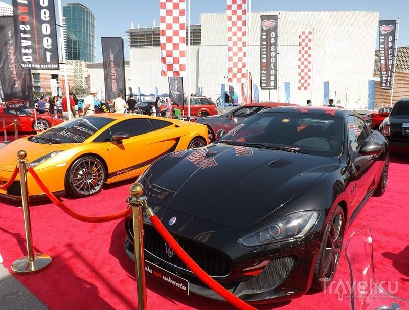 Luxury Car Show 2013 в Дубае, Фестиваль сити / ОАЭ