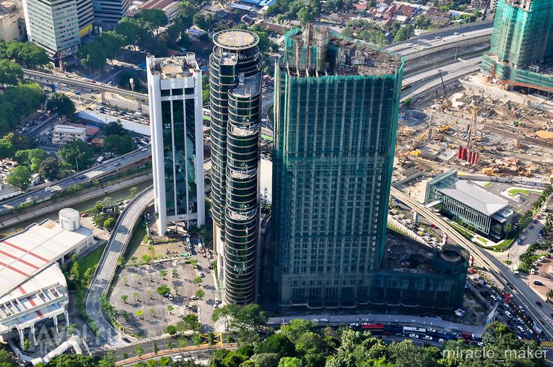 Телебашня Менара Куала-Лумпур и башни-близнецы Петронас / Фото из Малайзии