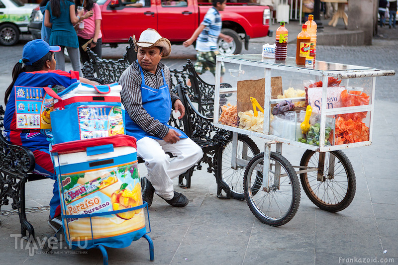 В городе Вайе-де-Браво, Мексика / Фото из Мексики