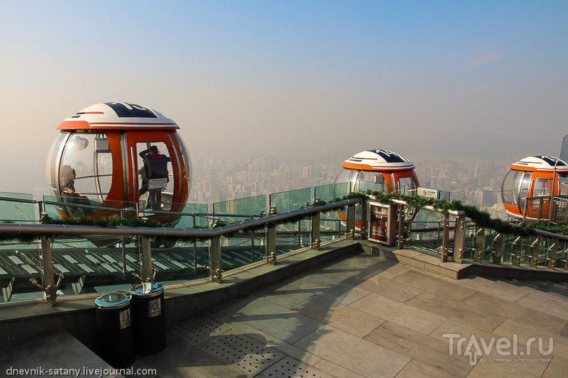 Bubble Tram на телебашне Кантон в Гуанчжоу, Китай / Фото из Китая