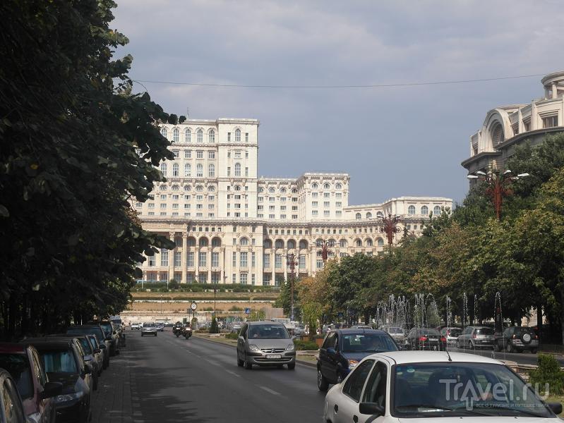 Бухарест: прогулка по calea Victoriei и дворец Парламента / Румыния