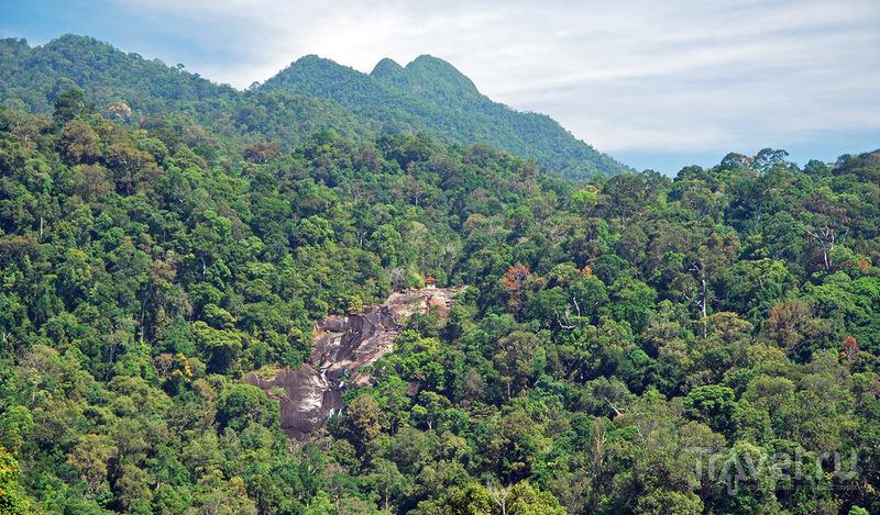 "Водопад ""Семь колодцев"" (Telaga Tujuh Waterfalls)  на Лангкави / Фото из Малайзии"