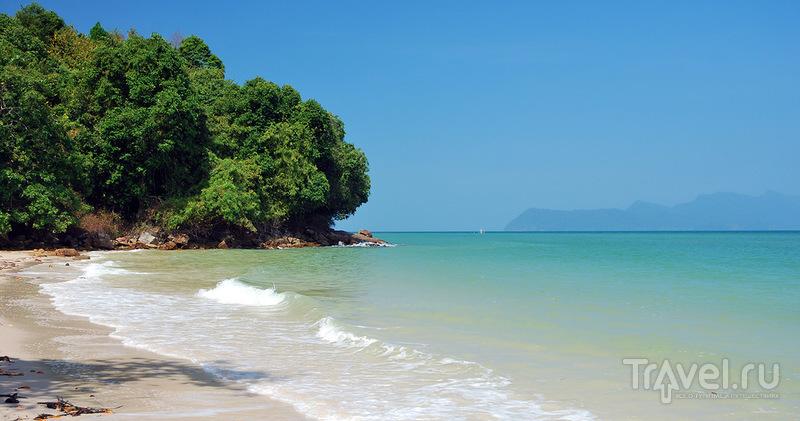 Пляж Pantai Pasir Tengkorak на Лангкави / Фото из Малайзии
