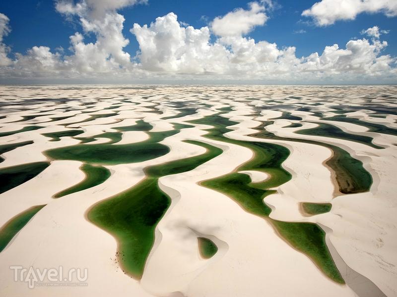 Волнообразные пейзажи национального парка Ленсойc-Мараньенсес, Бразилия / Бразилия