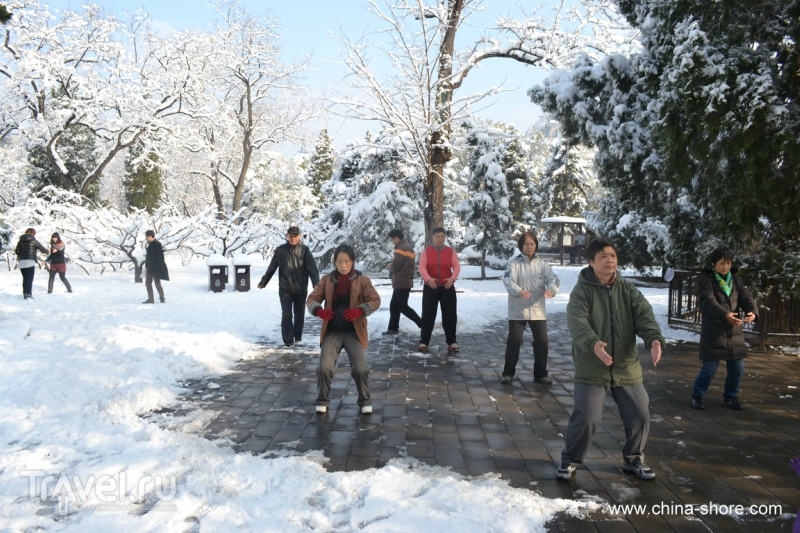Заснеженный Житань парк и праздник Весеннего равноденствия / Китай