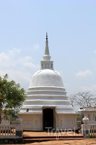 Аукана Будда / Шри-Ланка