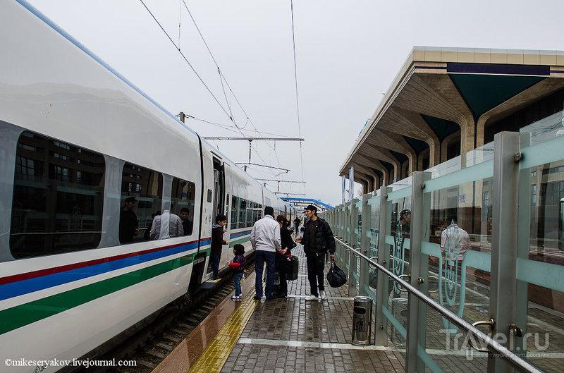 Испано-узбекский поезд со смешным названием / Узбекистан