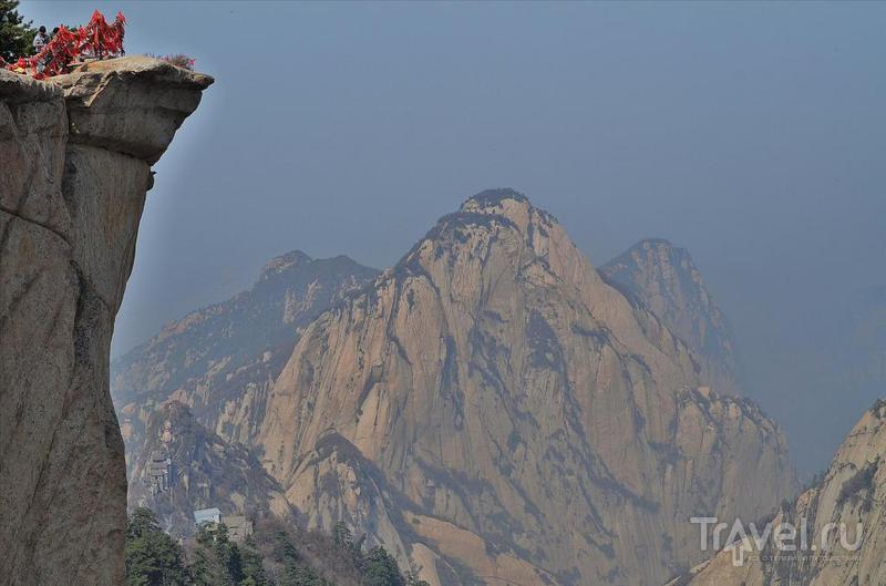 Хуашан - самый опасный горный маршрут Китая / Фото из Китая